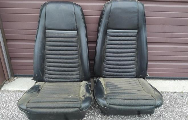 Ford Mustang Mach 1 Front seats.jpg