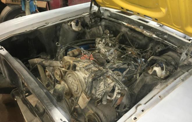 Ford Mustang Mach 1 engine.jpg