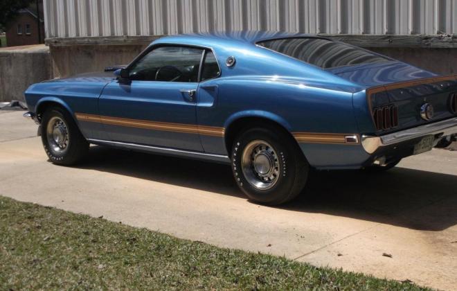 Ford Mustang Mach 1 side.jpg