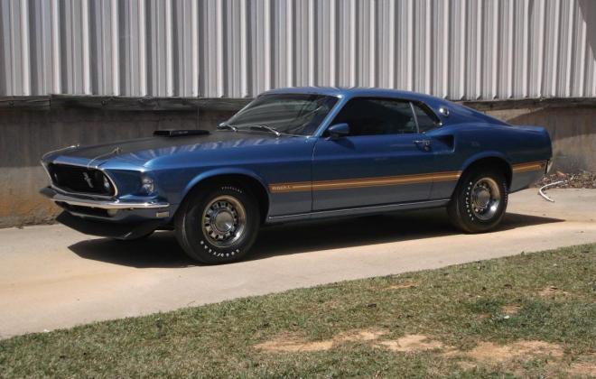 Ford Mustang Mach 1.jpg