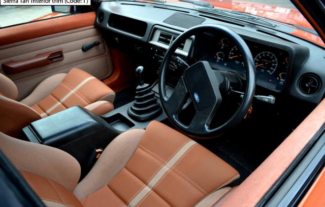 Ford XE Fairmont Ghia ESP Sierra Tan interior trim scheel seats (1).png