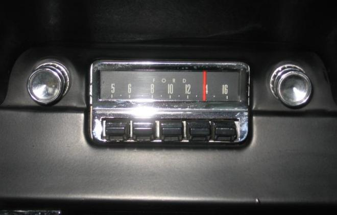 Ford radio.JPG