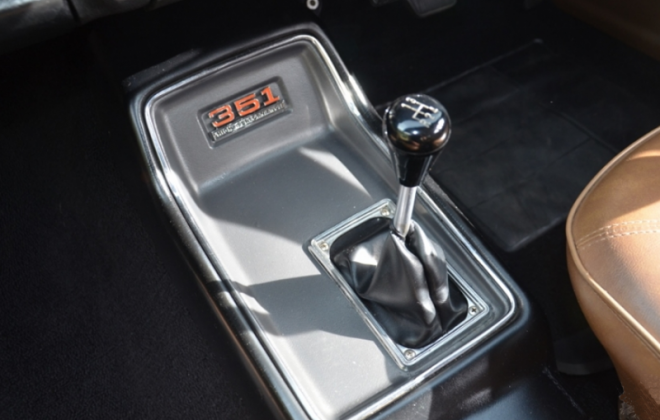 Gear knob shifter XW Falcon GT image.png