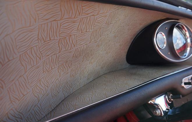 Gold brocade trim up close MK1 Cooper S.png