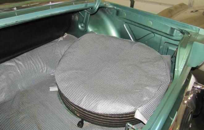 Green 1964 Sudebaker Daytoina Convertible V8 Florida (19).jpg