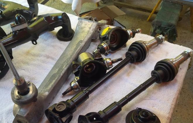 Hardy Spicer CV joints on drive shafts.jpg