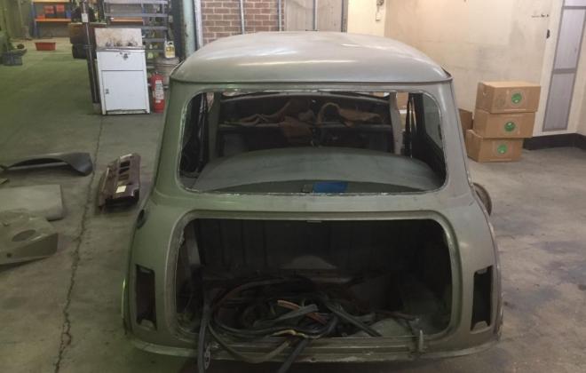 HiHo Silver LS shell only Leyland Mini 1275 LS (10).jpg