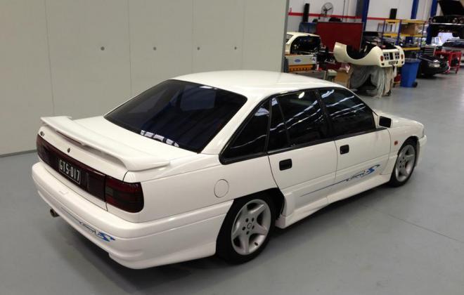 Holden HSV VP GTS Number 17 white paint images (1).jpg