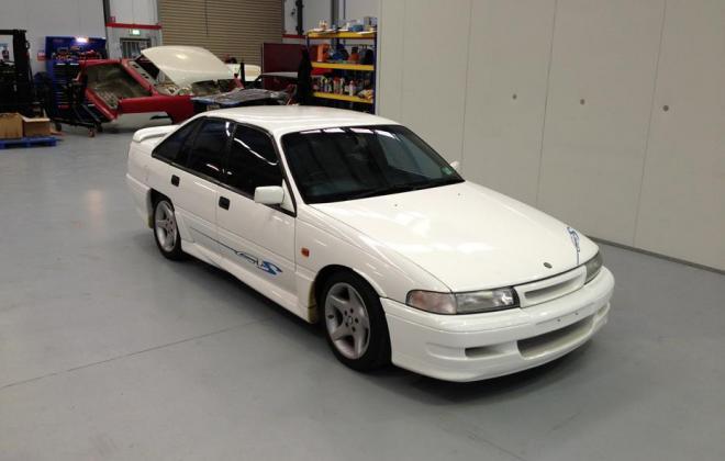 Holden HSV VP GTS Number 17 white paint images (11).jpg