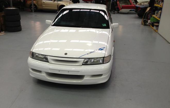 Holden HSV VP GTS Number 17 white paint images (7).jpg