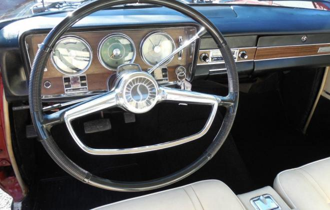 Interior 1966 Studebaker Daytona Sports Sedan creme vinyl (1).jpg