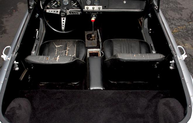Interior Datsun Fairlady 2000 1.png