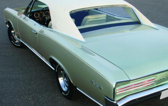 Ivory Vinyl Roof Pontiac GTO 1966 1.jpg