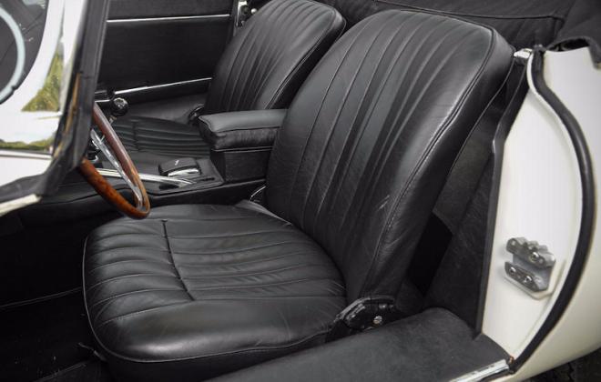 Jaguar 1968 Series 1.5 XKE E-type black interior image (2).png