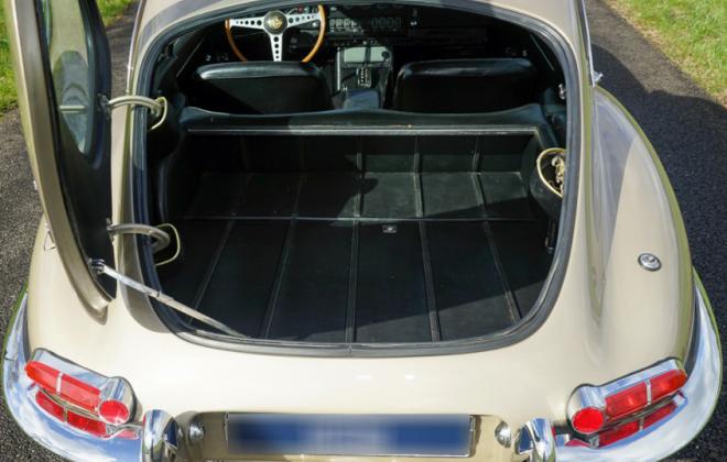 Jaguar XK-E E-Type Series 1.5 2 + 2 rear trunk image.png