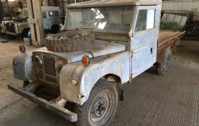 Land Rover 1957 series 1 front.jpg