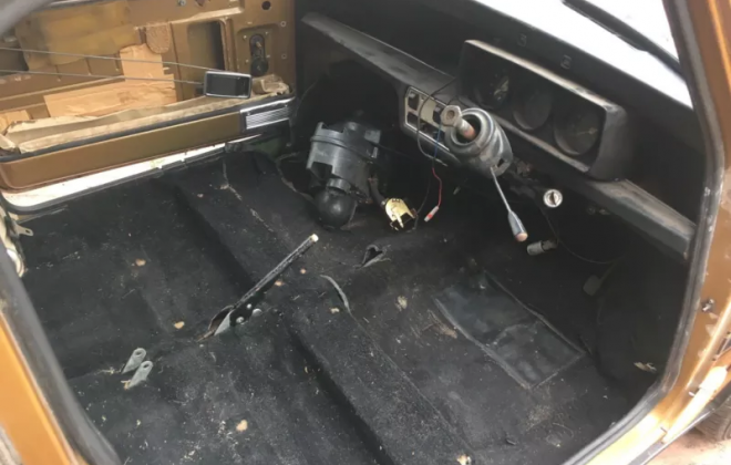 Leyland Mini 1275 LS 2021 project car unrestored nugget gold paint (10).png