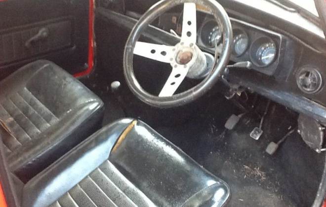 Leyland Mini GTS early black interior.png