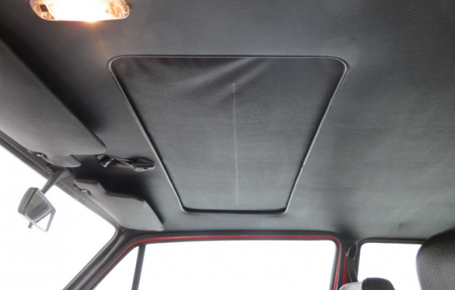 MK1 Golf GTI Campaign sunroof.png