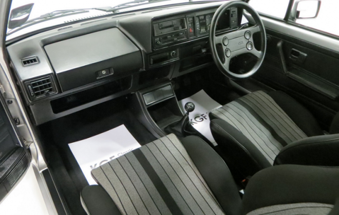 MK1 Golf GTI dashboard Campaign edition UK (1).png
