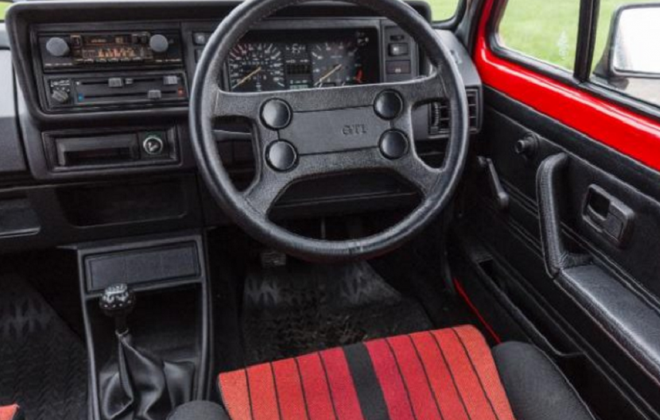 MK1 Golf GTI dashboard Campaign edition UK (2).png