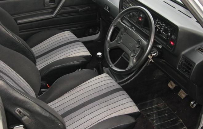MK1 Golf GTI facelift dashboard (5).jpg