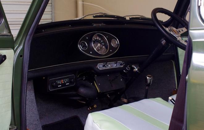 MK1 Morris Cooper S interior Australia with radio.jpg