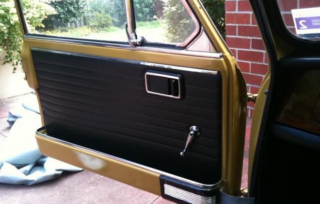 MK2 Cooper S doors internal handles.jpg