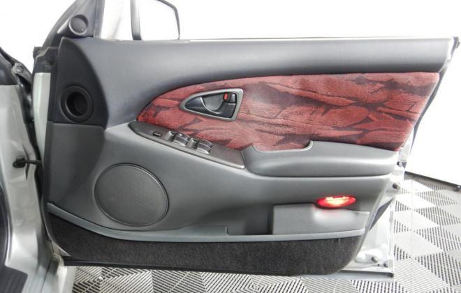Magna Ralliart interior trim 2002 grey and red cloth (8).jpg