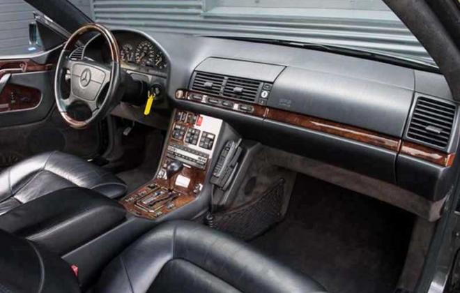Mercedes 140 coupe dashboard 1993 1994 1995.jpg