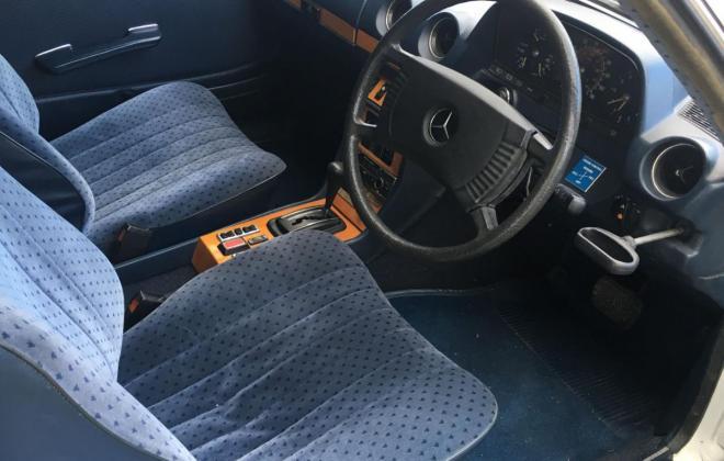 Mercedes 300CD cloth front seats.jpg
