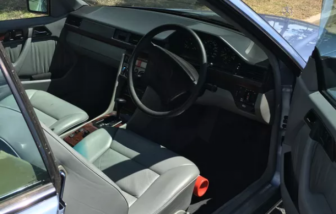 Mercedes 320CE interior images grey leather (1).png