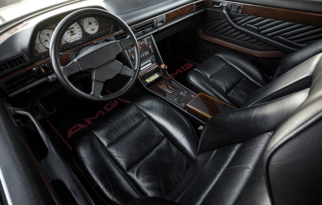 Mercedes 560 SEC 6.0 AMG Widebody Silver interior.png