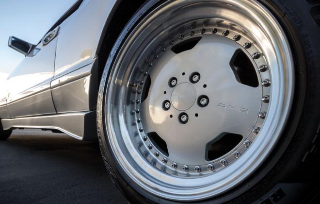 Mercedes 560 SEC 6.0 AMG Widebody Silver wheels.png