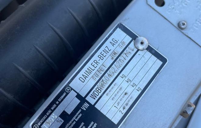 Mercedes 560SEC 1986 VIN and data plates number (1).jpg