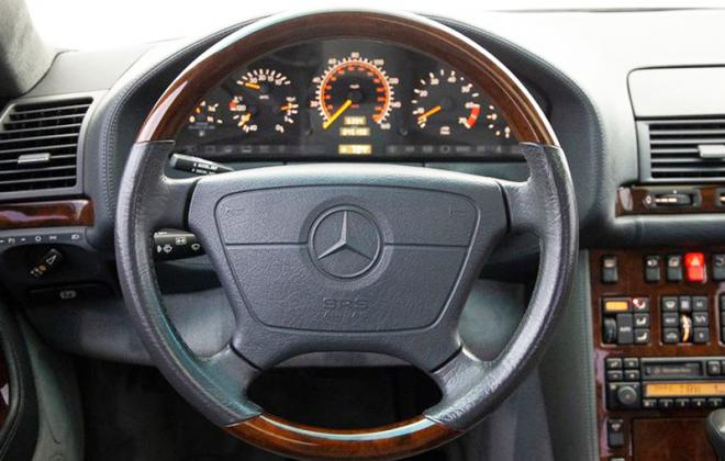 Mercedes C140 W140 timber trim steering wheel early type copy.jpg