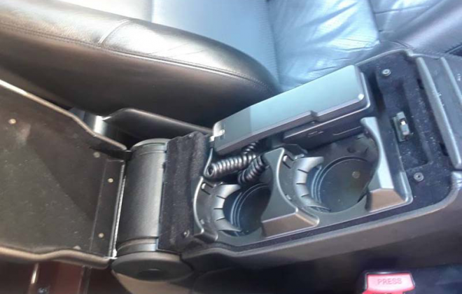 Mercedes C140 centre console split lid with phone and cup holders 1995 .png
