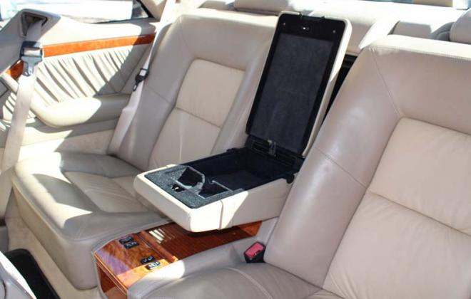 Mercedes CL500 1997 rear centre console optional compartment.jpg