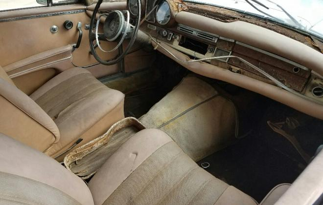 Mercedes W111 250SE coupe beige interior (1).jpg