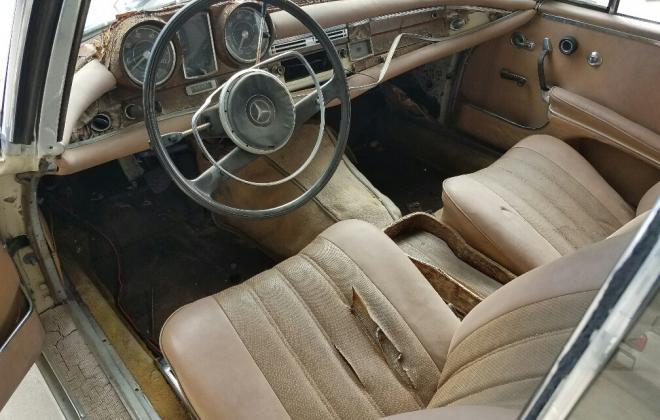 Mercedes W111 250SE coupe beige interior (4).jpg