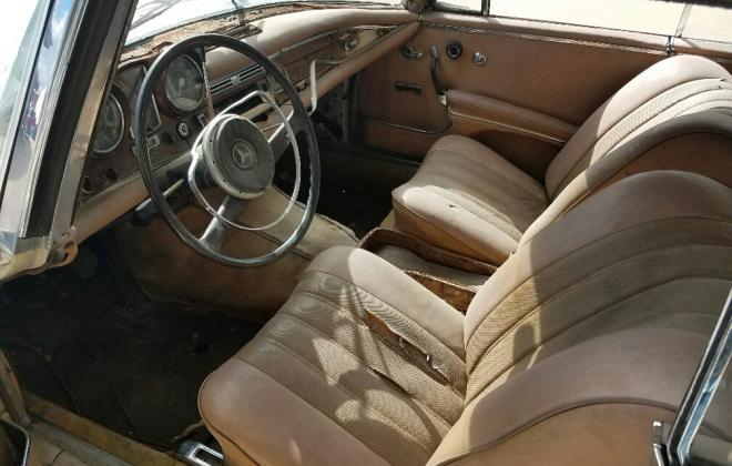 Mercedes W111 250SE coupe beige interior (6).jpg