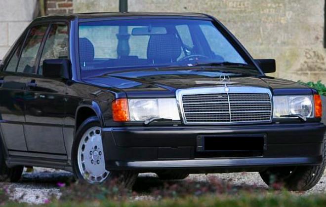 Mercedes-Benz-190E-2.3-16V-Schuinvoor.png