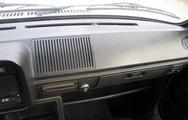 Mk1 Golf GTI Pre-facelift interior dashboard (1).jpg