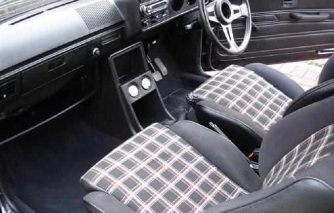 Mk1 Golf GTI Pre-facelift interior dashboard (2).jpg