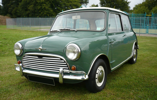 Mk1 Morris Cooper S Old English White (WT3) over Almond Green (GN37) paint image.png