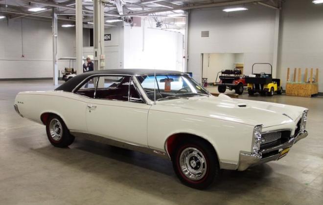 Montego Cream 1967 Pontiac GTO.jpg