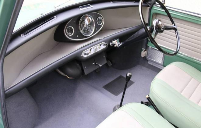 Morris Cooper S MK1 1964 dashboard.jpg