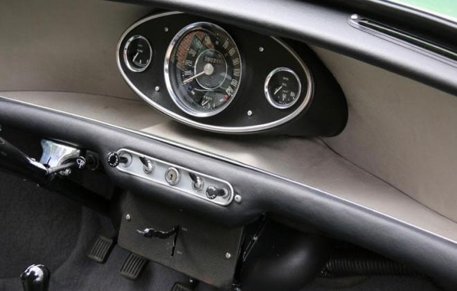Morris Cooper S MK1 970cc dashboard image.jpg
