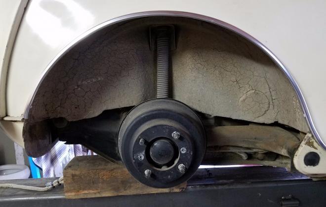Morris Cooper S rear stepped drum brakes.jpg