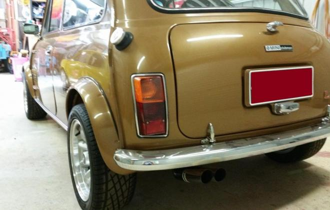 Nugget Gold Leyland Mini 1275 LS  10.JPG